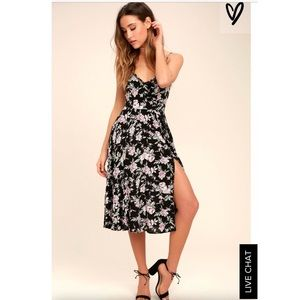 New!  beautiful floral dress with slit